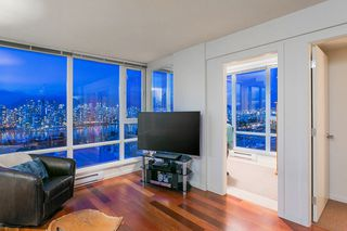 """Photo 7: 802 2483 SPRUCE Street in Vancouver: Fairview VW Condo for sale in """"Skyline"""" (Vancouver West)  : MLS®# R2151780"""