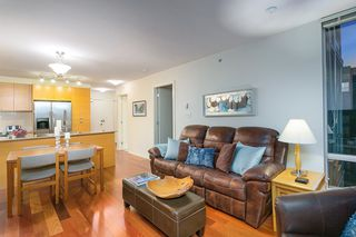 """Photo 9: 802 2483 SPRUCE Street in Vancouver: Fairview VW Condo for sale in """"Skyline"""" (Vancouver West)  : MLS®# R2151780"""