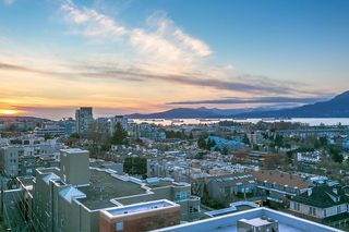 """Photo 3: 802 2483 SPRUCE Street in Vancouver: Fairview VW Condo for sale in """"Skyline"""" (Vancouver West)  : MLS®# R2151780"""