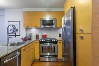 """Photo 12: 802 2483 SPRUCE Street in Vancouver: Fairview VW Condo for sale in """"Skyline"""" (Vancouver West)  : MLS®# R2151780"""
