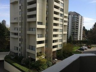 Photo 1: 902 4200 MAYBERRY STREET in Burnaby: Central Park BS Condo for sale (Burnaby South)  : MLS®# R2160832