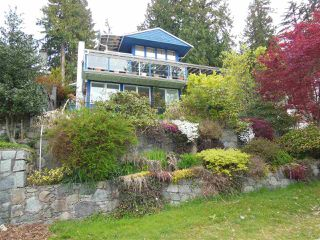 Photo 1: 4559 PROSPECT Road in North Vancouver: Upper Delbrook House for sale : MLS®# R2166251
