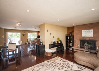 Photo 7: 1216 Cross Crescent SW in : Chinook Park House for sale (Calgary)  : MLS®# C4121748