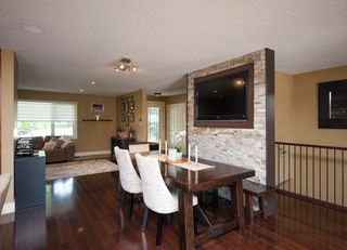 Photo 10: 1216 Cross Crescent SW in : Chinook Park House for sale (Calgary)  : MLS®# C4121748