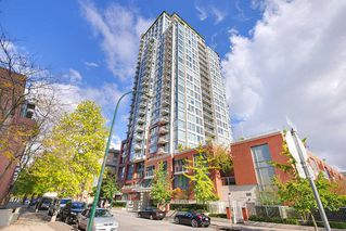 "Photo 1: 1903 550 TAYLOR Street in Vancouver: Downtown VW Condo for sale in ""Taylor"" (Vancouver West)  : MLS®# R2190967"
