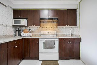 Photo 11: 15672 92 Avenue in Surrey: Fleetwood Tynehead House for sale : MLS®# R2200032