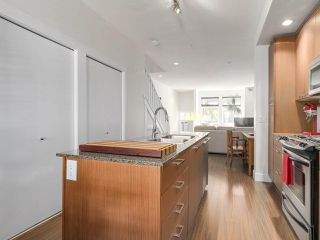 "Photo 7: 517 E 7TH Avenue in Vancouver: Mount Pleasant VE Townhouse for sale in ""THE VANTAGE"" (Vancouver East)  : MLS®# R2203934"