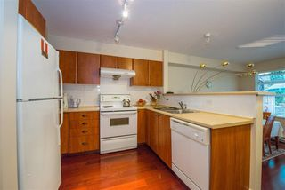 "Photo 5: 39 6528 DENBIGH Avenue in Burnaby: Forest Glen BS Townhouse for sale in ""OAKWOOD"" (Burnaby South)  : MLS®# R2205885"