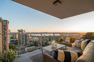 Photo 3: 1506 150 W 15TH STREET in North Vancouver: Central Lonsdale Condo for sale : MLS®# R2208952