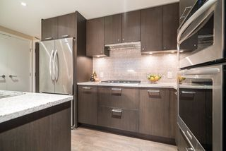 Photo 8: 1506 150 W 15TH STREET in North Vancouver: Central Lonsdale Condo for sale : MLS®# R2208952