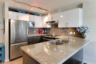 Photo 2: 1107 14 Begbie in New Westminster: Quay Condo for sale : MLS®# R2216661