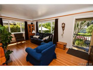 Photo 6: 437 Arnold Avenue in VICTORIA: Vi Fairfield West Residential for sale (Victoria)  : MLS®# 351215