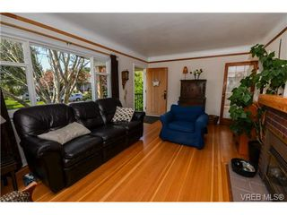 Photo 11: 437 Arnold Avenue in VICTORIA: Vi Fairfield West Residential for sale (Victoria)  : MLS®# 351215