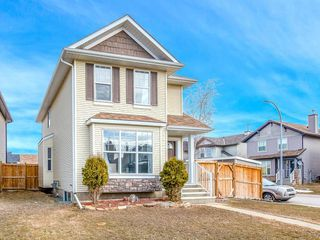Photo 1: 181 CRANBERRY Close SE in Calgary: Cranston House for sale : MLS®# C4178051