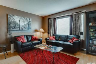 Photo 3: 271 Rutherford Crescent in Saskatoon: Sutherland Residential for sale : MLS®# SK740984