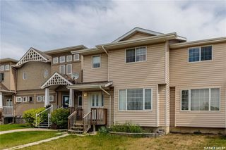 Photo 1: 271 Rutherford Crescent in Saskatoon: Sutherland Residential for sale : MLS®# SK740984