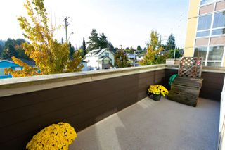 "Photo 11: 201 85 EIGHTH Avenue in New Westminster: GlenBrooke North Condo for sale in ""EIGHTWEST"" : MLS®# R2310352"