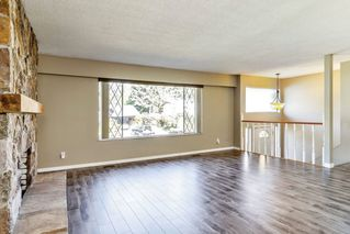 Photo 3: 21756 DONOVAN Avenue in Maple Ridge: West Central House for sale : MLS®# R2316345