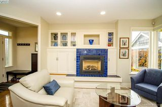 Photo 8: 922 Lawndale Avenue in VICTORIA: Vi Fairfield East Single Family Detached for sale (Victoria)  : MLS®# 401173