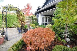 Photo 43: 922 Lawndale Avenue in VICTORIA: Vi Fairfield East Single Family Detached for sale (Victoria)  : MLS®# 401173
