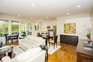 Photo 12: 922 Lawndale Avenue in VICTORIA: Vi Fairfield East Single Family Detached for sale (Victoria)  : MLS®# 401173