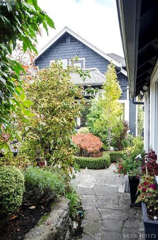 Photo 48: 922 Lawndale Avenue in VICTORIA: Vi Fairfield East Single Family Detached for sale (Victoria)  : MLS®# 401173