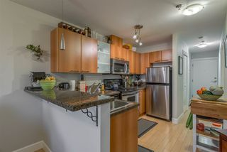 """Photo 10: 403 1718 VENABLES Street in Vancouver: Grandview VE Condo for sale in """"CITY VIEW TERRACES"""" (Vancouver East)  : MLS®# R2327444"""