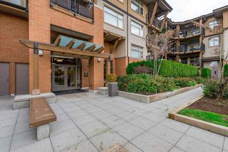 "Photo 2: 303 300 KLAHANIE Drive in Port Moody: Port Moody Centre Condo for sale in ""Tides"" : MLS®# R2330011"
