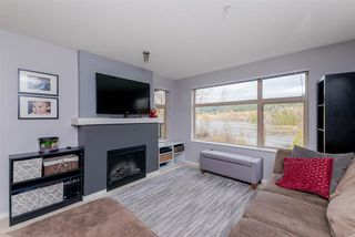 "Photo 3: 303 300 KLAHANIE Drive in Port Moody: Port Moody Centre Condo for sale in ""Tides"" : MLS®# R2330011"