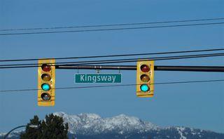 "Main Photo: 1210 4815 ELDORADO Mews in Vancouver: Collingwood VE Condo for sale in ""2300 KINGSWAY"" (Vancouver East)  : MLS®# R2339354"