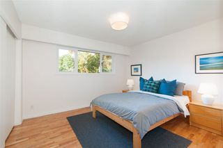 Photo 11: 2509 LAURALYNN Drive in North Vancouver: Westlynn House for sale : MLS®# R2359642