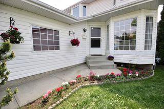 Photo 1: 11319 171 Avenue in Edmonton: Zone 27 House for sale : MLS®# E4157787