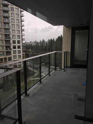 """Photo 4: 703 5470 ORMIDALE Street in Vancouver: Collingwood VE Condo for sale in """"WALL CENTRE CENTRAL PARK TOWER 3"""" (Vancouver East)  : MLS®# R2379325"""