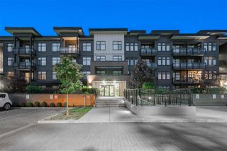 "Main Photo: 401 20078 FRASER Highway in Langley: Langley City Condo for sale in ""VARSITY"" : MLS®# R2380783"
