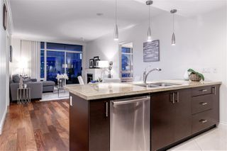 Photo 3: 505 172 VICTORY SHIP Way in North Vancouver: Lower Lonsdale Condo for sale : MLS®# R2381128