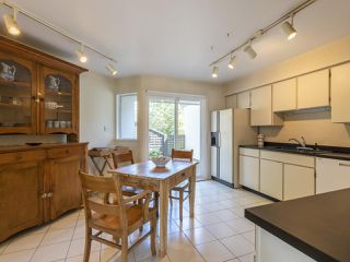 """Photo 10: 1128 IRONWORK PASSAGE in Vancouver: False Creek Townhouse for sale in """"SPRUCE VILLAGE"""" (Vancouver West)  : MLS®# R2382408"""
