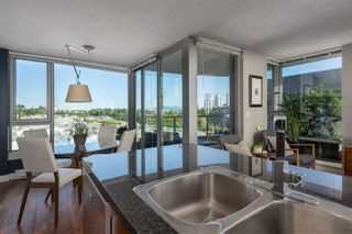 "Photo 4: 606 587 W 7TH Avenue in Vancouver: Fairview VW Condo for sale in ""AFFINITI"" (Vancouver West)  : MLS®# R2382646"