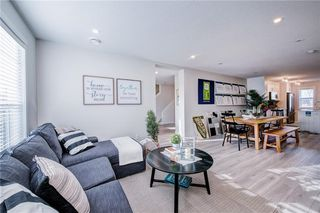 Photo 2: 122 Cranbrook Square SE in Calgary: Cranston Row/Townhouse for sale : MLS®# C4256095