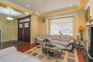 Photo 4: 3233 E 2ND Avenue in Vancouver: Renfrew VE House for sale (Vancouver East)  : MLS®# R2388761