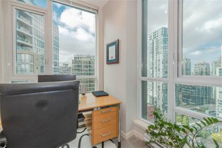 """Photo 7: 2206 1189 MELVILLE Street in Vancouver: Coal Harbour Condo for sale in """"THE MELVILLE"""" (Vancouver West)  : MLS®# R2409102"""
