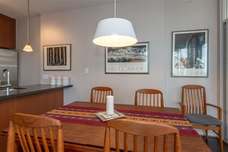 """Photo 5: 2206 1189 MELVILLE Street in Vancouver: Coal Harbour Condo for sale in """"THE MELVILLE"""" (Vancouver West)  : MLS®# R2409102"""