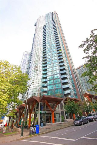 """Photo 13: 2206 1189 MELVILLE Street in Vancouver: Coal Harbour Condo for sale in """"THE MELVILLE"""" (Vancouver West)  : MLS®# R2409102"""