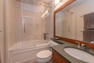 """Photo 11: 2206 1189 MELVILLE Street in Vancouver: Coal Harbour Condo for sale in """"THE MELVILLE"""" (Vancouver West)  : MLS®# R2409102"""