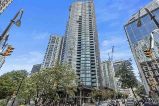 """Photo 3: 2206 1189 MELVILLE Street in Vancouver: Coal Harbour Condo for sale in """"THE MELVILLE"""" (Vancouver West)  : MLS®# R2409102"""