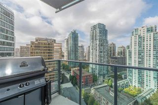 """Photo 8: 2206 1189 MELVILLE Street in Vancouver: Coal Harbour Condo for sale in """"THE MELVILLE"""" (Vancouver West)  : MLS®# R2409102"""