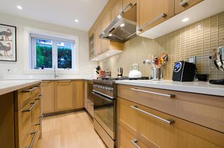 Photo 5: 1959 WEST 12th AVENUE in Vancouver: Home for sale