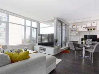 """Photo 4: 601 188 AGNES Street in New Westminster: Downtown NW Condo for sale in """"ELLIOT"""" : MLS®# R2446584"""