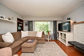 Photo 3: 3266 ULSTER Street in Port Coquitlam: Lincoln Park PQ House for sale : MLS®# R2447315