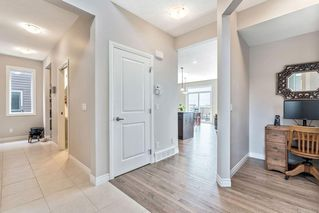 Photo 5: 153 EVANSGLEN Drive NW in Calgary: Evanston Detached for sale : MLS®# C4305322