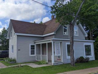 Photo 1: 393 Nelson Street in New Glasgow: 106-New Glasgow, Stellarton Residential for sale (Northern Region)  : MLS®# 202013435